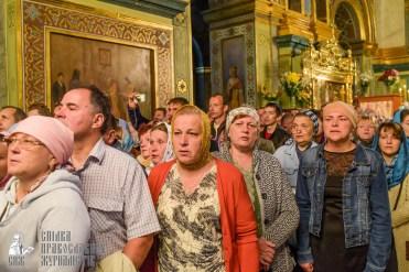easter_procession_ukraine_pochaev_sr_0070