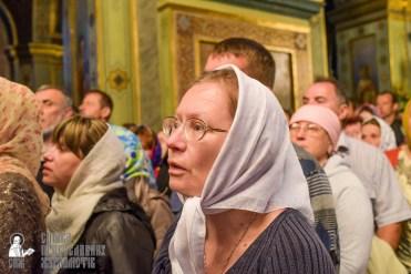 easter_procession_ukraine_pochaev_sr_0071