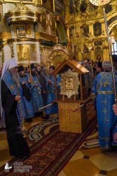 easter_procession_ukraine_pochaev_sr_0080