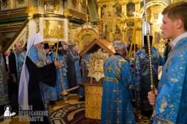 easter_procession_ukraine_pochaev_sr_0082