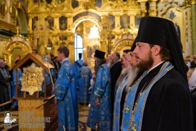 easter_procession_ukraine_pochaev_sr_0086