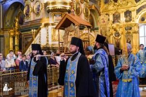 easter_procession_ukraine_pochaev_sr_0091