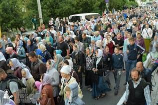 easter_procession_ukraine_pochaev_sr_0116