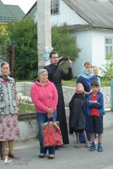 easter_procession_ukraine_pochaev_sr_0125
