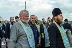 easter_procession_ukraine_pochaev_sr_0140