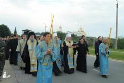 easter_procession_ukraine_pochaev_sr_0152