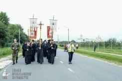 easter_procession_ukraine_pochaev_sr_0155