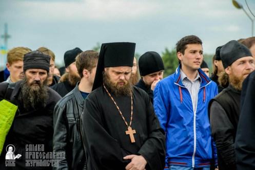 easter_procession_ukraine_pochaev_sr_0171