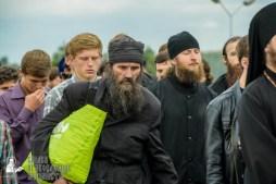 easter_procession_ukraine_pochaev_sr_0172
