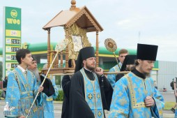 easter_procession_ukraine_pochaev_sr_0175