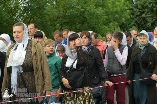 easter_procession_ukraine_pochaev_sr_0204
