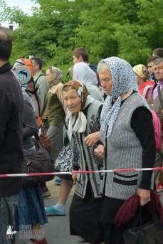 easter_procession_ukraine_pochaev_sr_0205