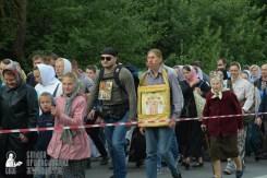 easter_procession_ukraine_pochaev_sr_0219