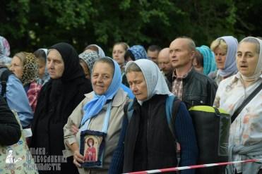 easter_procession_ukraine_pochaev_sr_0223