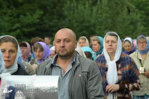 easter_procession_ukraine_pochaev_sr_0232