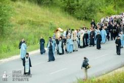 easter_procession_ukraine_pochaev_sr_0270