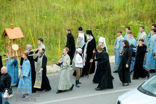 easter_procession_ukraine_pochaev_sr_0283