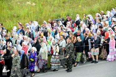 easter_procession_ukraine_pochaev_sr_0287