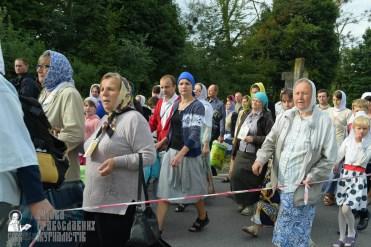easter_procession_ukraine_pochaev_sr_0344