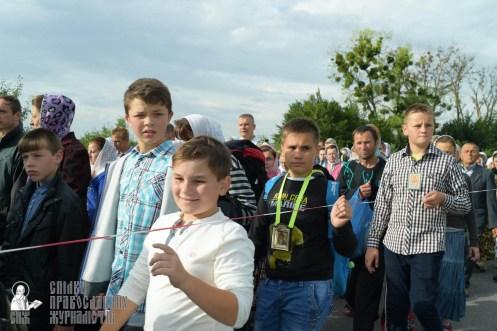 easter_procession_ukraine_pochaev_sr_0376