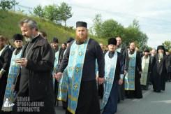 easter_procession_ukraine_pochaev_sr_0425