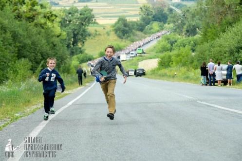 easter_procession_ukraine_pochaev_sr_0441
