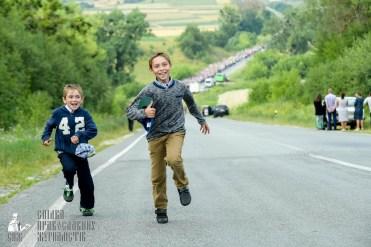easter_procession_ukraine_pochaev_sr_0443