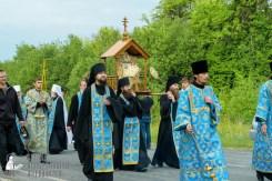 easter_procession_ukraine_pochaev_sr_0468