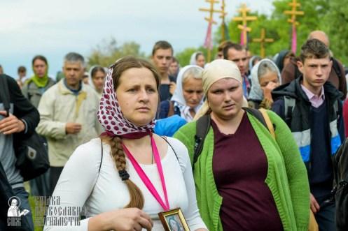 easter_procession_ukraine_pochaev_sr_0483