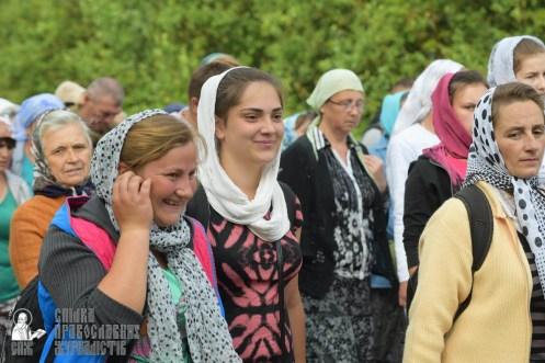 easter_procession_ukraine_pochaev_sr_0491