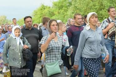 easter_procession_ukraine_pochaev_sr_0493