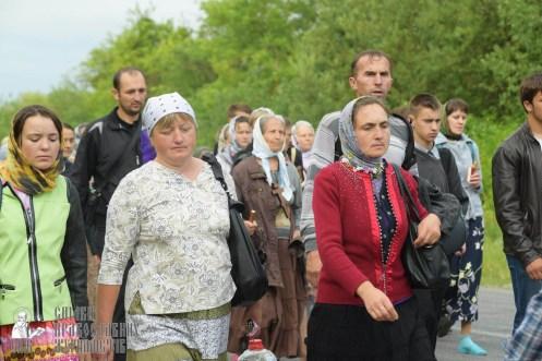 easter_procession_ukraine_pochaev_sr_0513