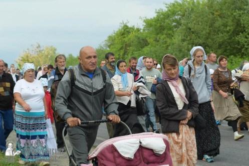 easter_procession_ukraine_pochaev_sr_0516