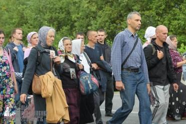easter_procession_ukraine_pochaev_sr_0526
