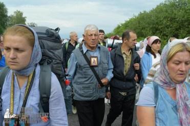 easter_procession_ukraine_pochaev_sr_0547
