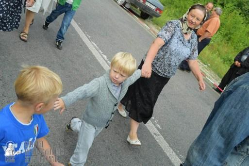 easter_procession_ukraine_pochaev_sr_0555