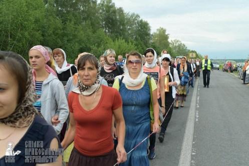 easter_procession_ukraine_pochaev_sr_0561