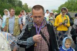 easter_procession_ukraine_pochaev_sr_0576