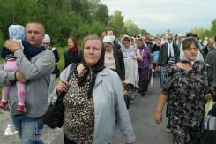 easter_procession_ukraine_pochaev_sr_0590