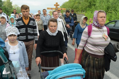easter_procession_ukraine_pochaev_sr_0594