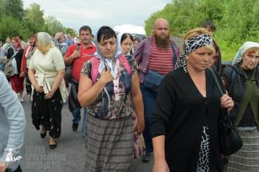 easter_procession_ukraine_pochaev_sr_0604
