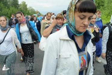 easter_procession_ukraine_pochaev_sr_0615