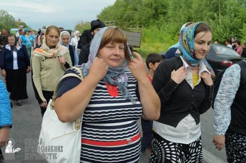 easter_procession_ukraine_pochaev_sr_0616