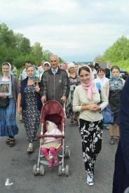 easter_procession_ukraine_pochaev_sr_0657