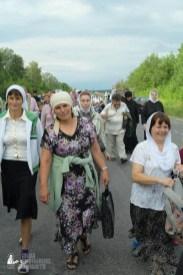 easter_procession_ukraine_pochaev_sr_0659