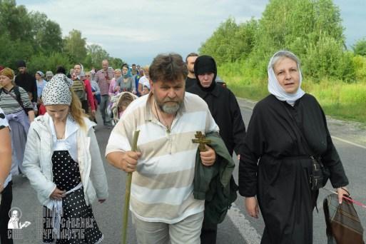 easter_procession_ukraine_pochaev_sr_0660