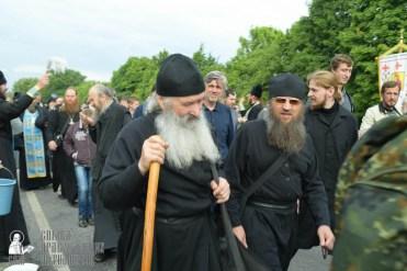 easter_procession_ukraine_pochaev_sr_0685