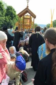easter_procession_ukraine_pochaev_sr_0708