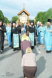 easter_procession_ukraine_pochaev_sr_0716