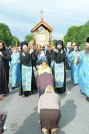 easter_procession_ukraine_pochaev_sr_0718